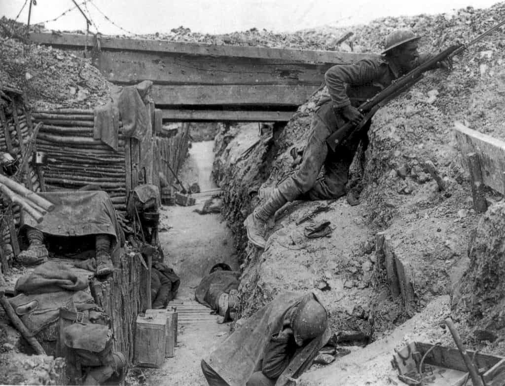 Tranchée britannique dans la Somme, juillet 1916 (Wikimedia - CC)