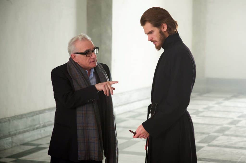 Martin Scorsese et Andrew Garfield sur le plateau du film SILENCE Kerry Brown © 2016 Paramount Pictures.