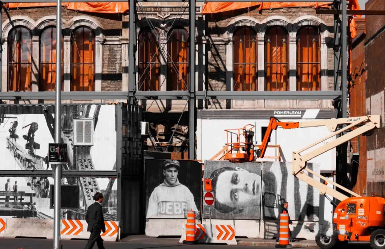 Réfection d'une façade dans le Vieux-Québec, Québec (photo: Florence Landry / unsplash.com).