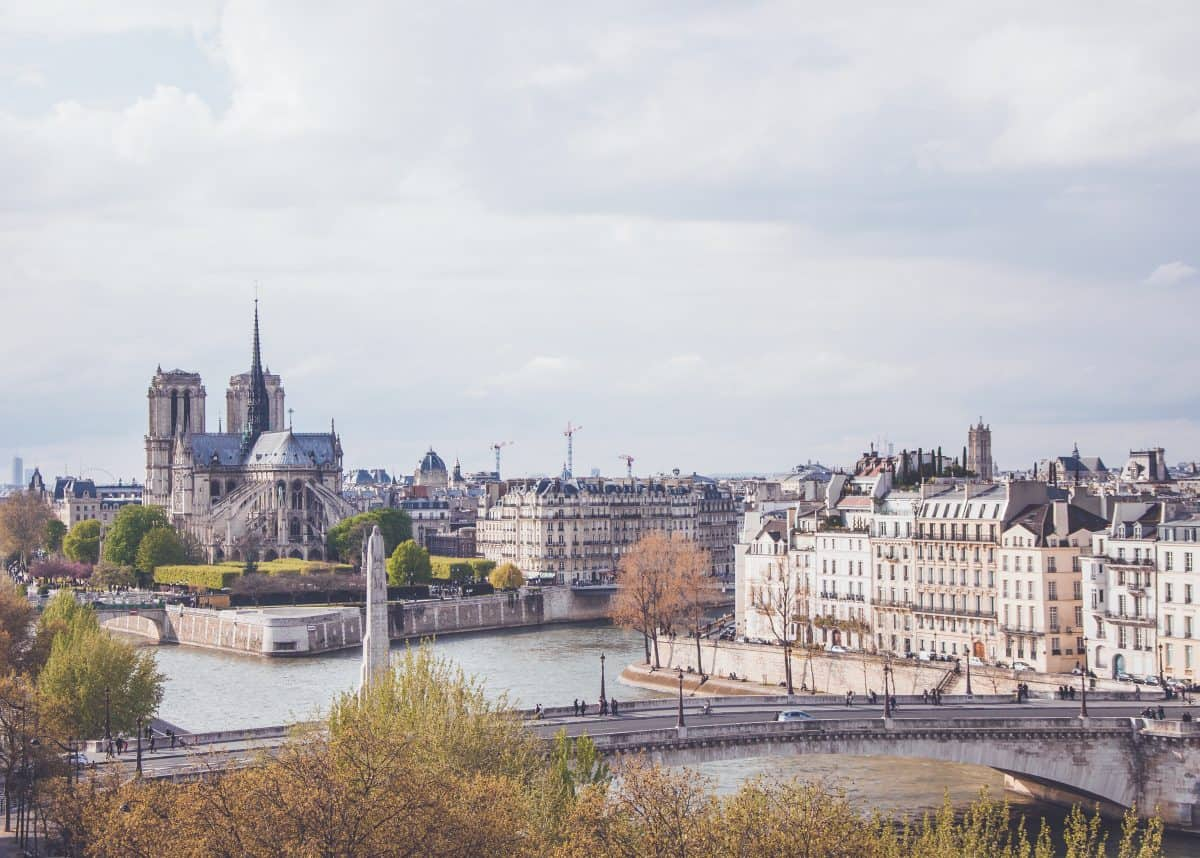Notre-Dame-de-Paris, France (photo: Paul Dufour / unsplash.com).