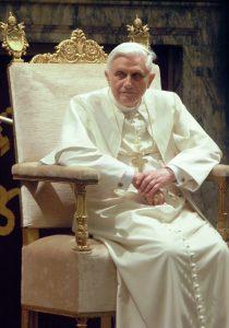Le pape émérite Benoit XVI (Wikimedia Commons).