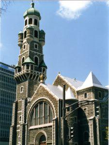 Façade de l'église Saint-Coeur-de-Marie, sur la Grande-Allée à Québec (photo: Claude Brochu / Wikimedia Commons).